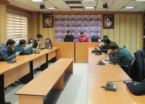 نشست خبری گل محمدی قبل از بازی با استقلال