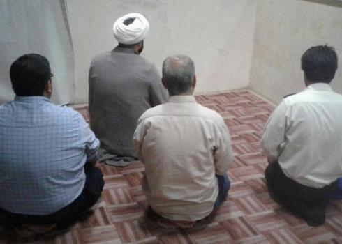 برگزاری نماز جماعت در جریان بازی سایپا و استقلال