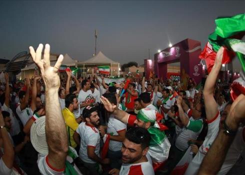 حضور پرشور تماشاگران ایرانی در ورزشگاه