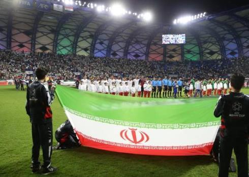 تشویق تیم ملی در بازی با عراق